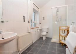 8 Aileach Buncrana - shower room