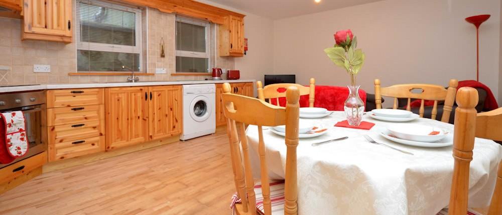 8 Aileach Buncrana - kitchen