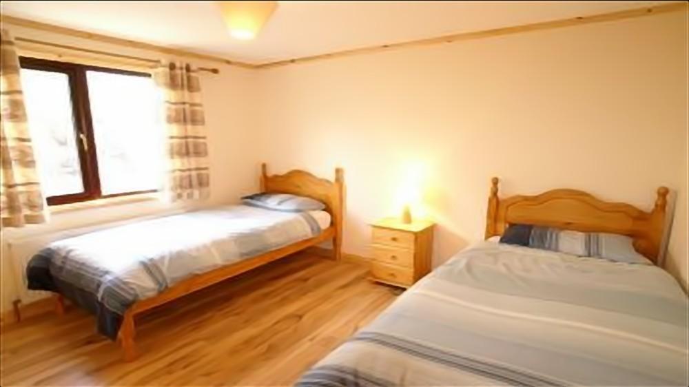 Beach House Bunbeg - bedroom