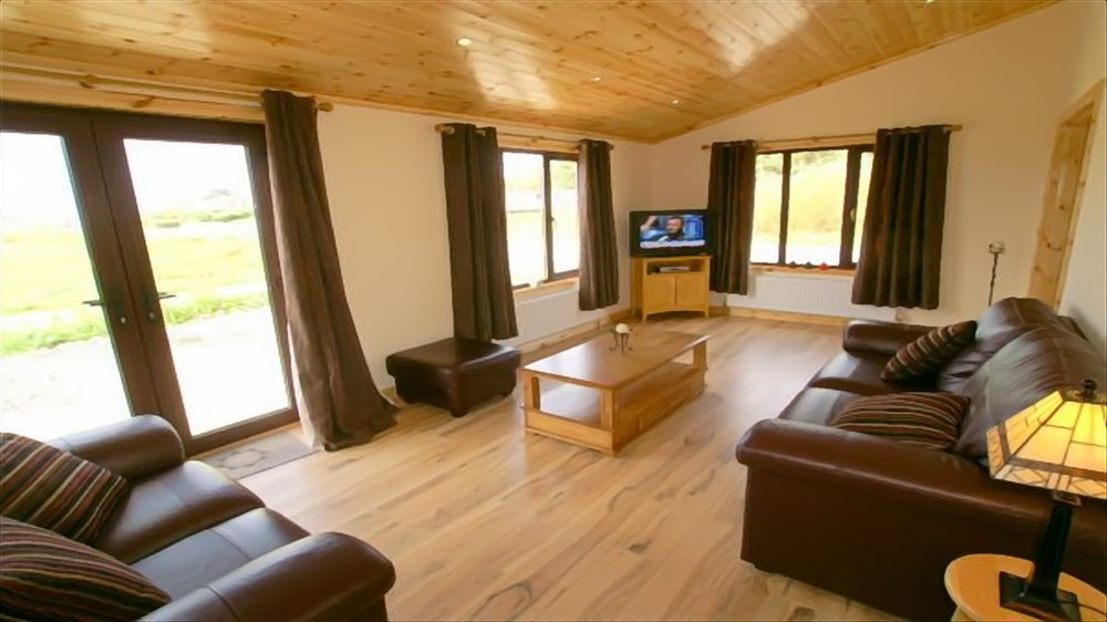 Beach House Bunbeg - living room