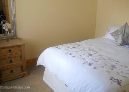 Ard Cottage Clonmany Inishowen - double bedroom