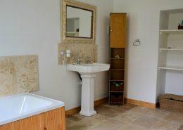 Rock Cottage Carrick Donegal - bathroom