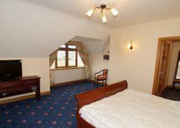 Seawater Holiday Home at Bunbeg Beach - large bedroom