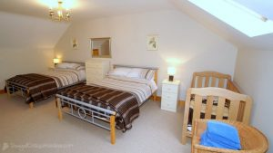 Spacious bedroom - Woodlawn Holiday Home Stranorlar Donegal