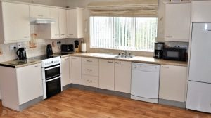 Woodlawn Holiday Home Stranorlar Donegal - kitchen