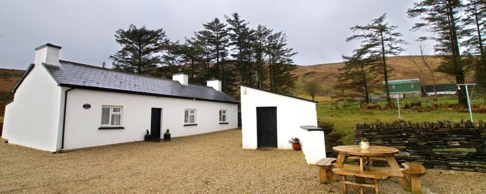 Denis's Traditional Cottage Ardara