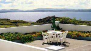 Seaside Cottage Dungloe - patio area