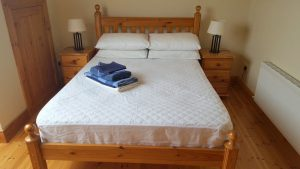 The Pines Holiday Home Dunfanaghy - double bedroom