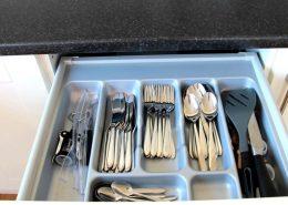 Boden's Terrace Culdaff - Kitchen cutlery