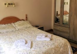 Seireannes Holiday Home Killybegs - bedroom