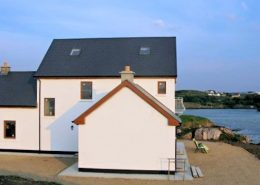 Rottytoy Beach House Bunbeg - overlooking sea inlet