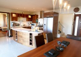 The Shorefront Redcastle Inishowen - fully equipped kitchen