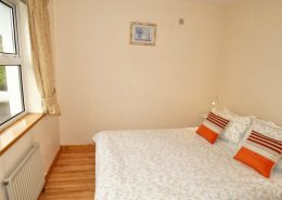 Appletree House Donegal Town - ground floor double bedroom