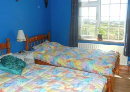 Teach Micheál at Malin Head - twin bedroom