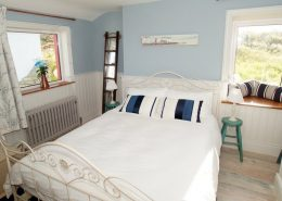 The Sea House Dungloe - double bedroom