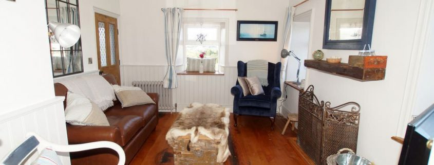 The Sea House Dungloe - living room