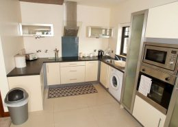 Castle Inn Apartments Greencastle - kitchen of Apartment 1
