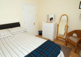 Drumburn Holiday Apartment Milford - double bedroom