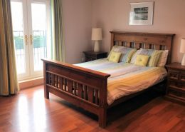 Beach Townhouse Downings - upper floor bedroom